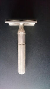 Vintage 1932 3piece DE Gillette Tech Safety Razor
