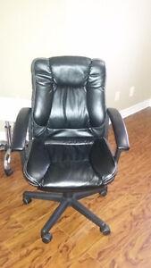 Chaises d'ordinateur / Computer chairs (2)