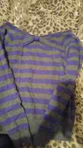 Long sleeve shirt / size small  London Ontario image 2