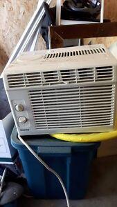 air climatisée de fenêtre Danby 5000 BTU
