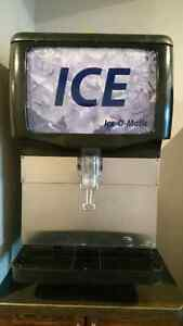 Ice Dispenser - Table Top