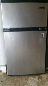 MINI FRIDGE/FREEZER FOR CHEAP