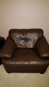 chair Oakville / Halton Region Toronto (GTA) image 1