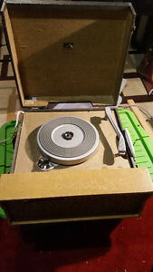 Selling a RCA Victor Portable Record Player
