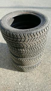 Vente 4 pneus d'hiver. 195 / 55 / R 15