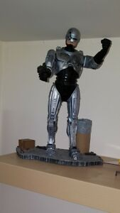 Robocop 12 in.Action Figure (Battle Damaged Version, McFarlane)