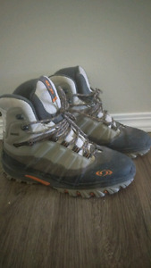 Salomon Gore Tex hiking boots