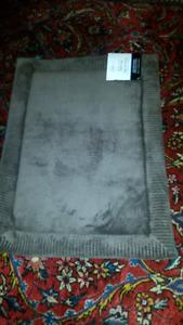1 Bath Rug Mainstays Memory Foam Mat