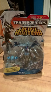 Transformers Prime Beast Hunters Deluxe Arcee . Action Figure.