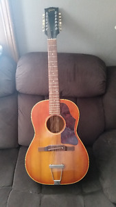 Gibson B25-12 12 acoutic string guitar