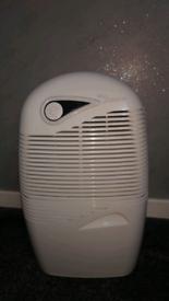 Ebac 2850E 21L 320W Dehumidifier - White.