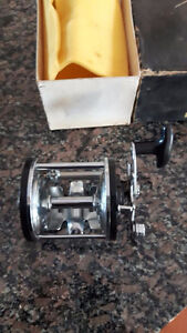 Merit Bait Casting Cast Fishing Reel MIB NOS