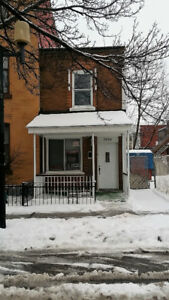 Maison 2 chambres 2 étages a louer Cote-St-Paul /Metro Jolicoeur