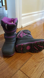 Toddler girl size 7 winter boots
