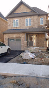 For rent builder new house in Bradford 4bdr  North of Newmarket