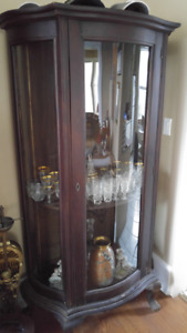 Vintage Vitrine Antique