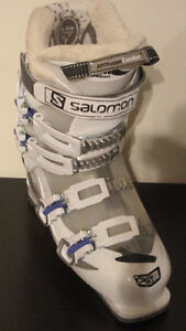 Salomon ski boots Girls size 25.5 Youth - used 5 times West Island Greater Montréal image 7