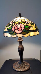 "18"" tiffany style table lamp"