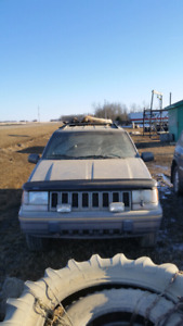 SOLD!!!1995 jeep grand cherokee 4x4 limited  400$ firm