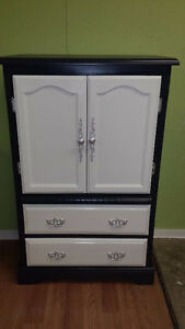 Professionally painted  3 piece vintage dresser set Kitchener / Waterloo Kitchener Area image 4