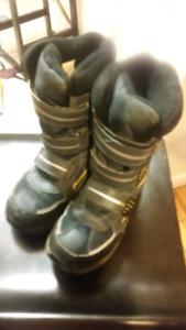 Boys winter boots sz 6