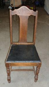 chaise antique décorative
