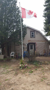BACK ON THE MARKET -Large Fixer Upper Family Home
