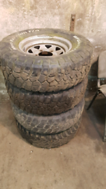 Land rover defender tyres and rims
