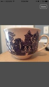 Royal Oak Blue Willow China tea cup and Saucer sets Cambridge Kitchener Area image 2
