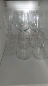 Set of 8 glasses for water and wine + 4 flutes for prosecco, champagne