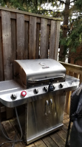 Char-Broil 4-Burner BBQ (Liquid Propane or Gas) Cover Included