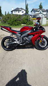 For sale showroom condition 2004 Yamaha R1 with only 4244km