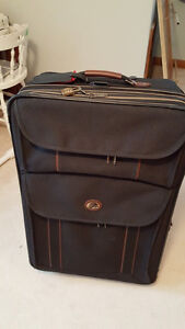 Extra HUGE suitcase with expandable sides