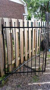 PVC fencing/railing kit (unused)