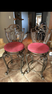 2 sturdy chairs in excellent condition