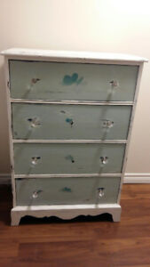 AWESOME DISTRESSED DRESSER
