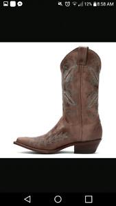 Size 9 Ladies Cowboy Boots