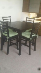 Tall Dining Room Table - great condition