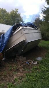 30 ft Cruser for part & salvage London Ontario image 4