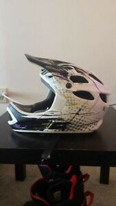 Specialized deviant 2 helmet