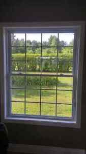 White Farley window - fenetre Farley blanche Cornwall Ontario image 2