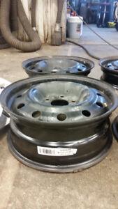 roue acier  nissan 16 pouces