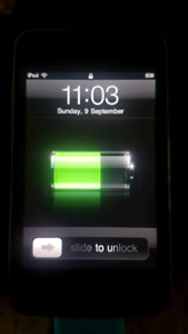 iPod Touch 32GB - 2nd Generation