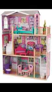 "Doll House for 14"" Dolls"