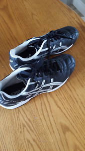 ASICS Indoor Soccer Shoes (unisex)