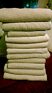 11 used white bath towels $30 takes LOT PICK UP TODAY