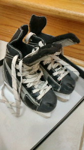 Kid hockey skate size 10