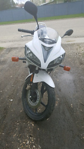Honda cbr125R  **reduced for quick sale**