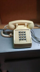 "vintage Northern Telecomm ""2500"" touch tone phone"