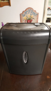 Shredder - Heavy Duty Criss Cross - Perfect working Condition
